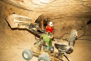 Opal mining Lightning Ridge NSW Image Shane A