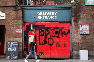 London A walk on the Red side - image Shane Aurousseau